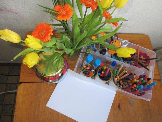 Einladung zum Malen und Zeichnen, als Reggio-typische Inspiration