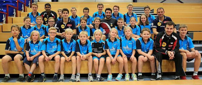 Gruppenbild mit Bundesligaspieler von Borussia Düsseldorf