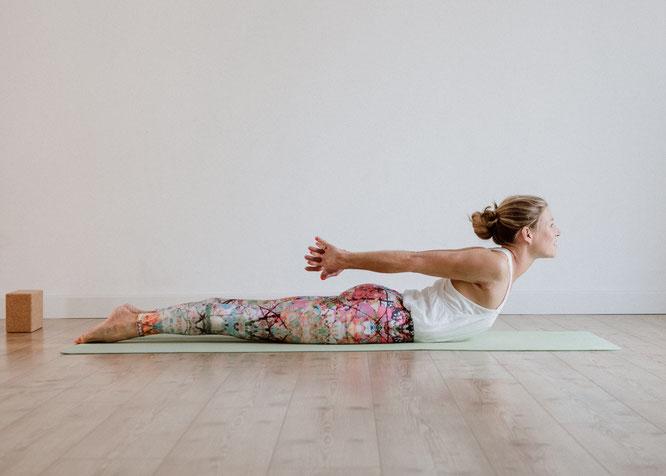 Salabhasana - die Heuschrecke - Stärke für unsere Körpermitte