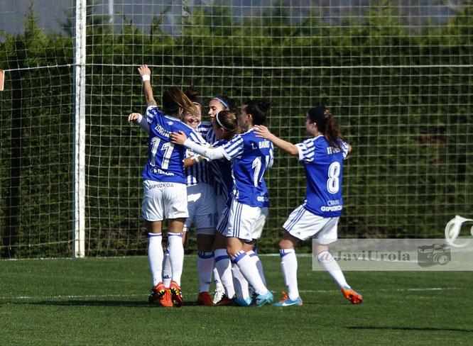 La Real celebra el tanto conseguido - Foto: Javi Urola