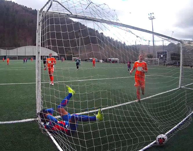 Xaxa marca el único gol del partido - Foto: Noski Sky