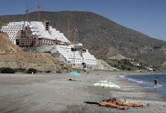 Der Strand beim El Algarrobico