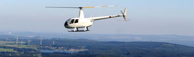 Fliegen Sie mit dem Hubschrauber für einen guten Zweck über die Eifel