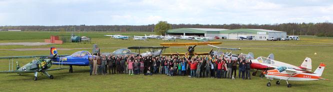 Eine tolle Truppe: die Quax-Flieger aus Paderborn (Foto: Quax e.V.)