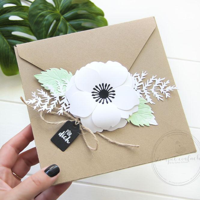 Blumige Geschenkverpackung-sizzix 663687-sylwia schreck