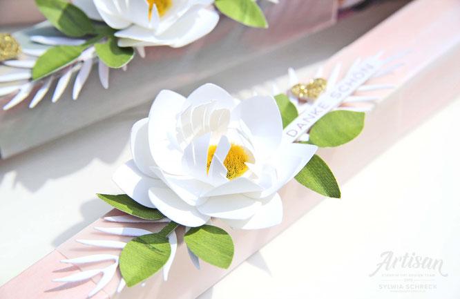 Florale Freude-Verpackungen mit Blumen