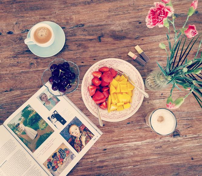 Das Frühstück am Wochenende - mit Blumen noch schöner.