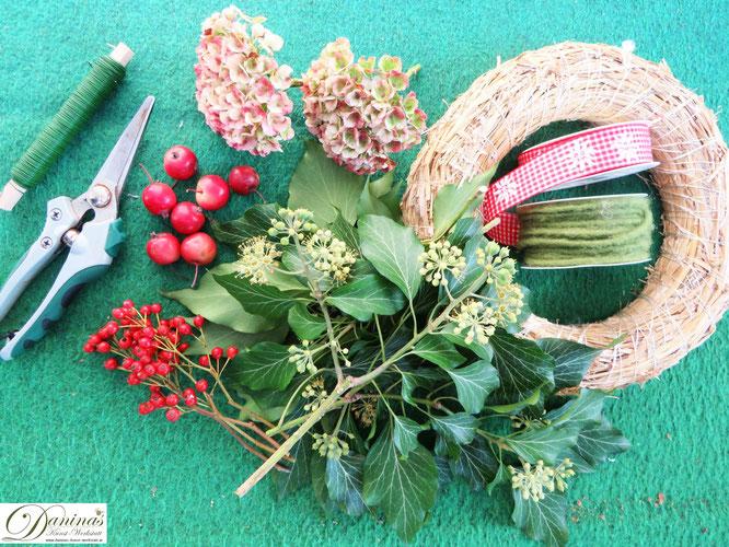 Herbstkranz basteln aus Naturmaterial