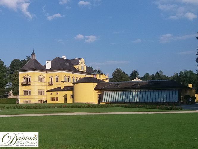 Das Lustschloss Hellbrunn mit seinen Wasserspielen und dem Salzburger Zoo ist ein Besuchermagnet.