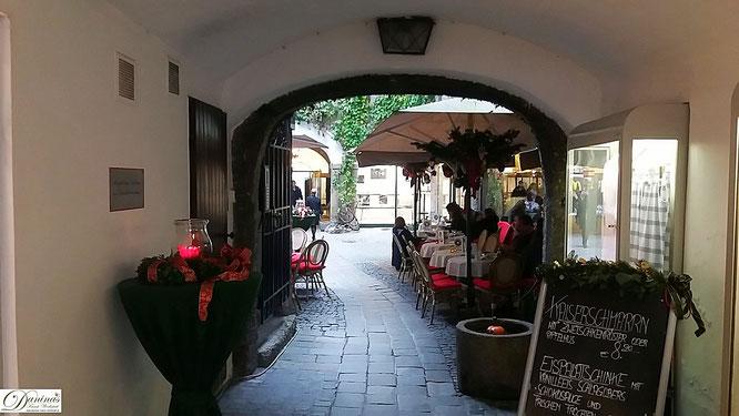 Schöne Durchhauspassage in der Salzburger Getreidegasse