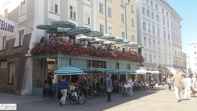 Café Tomaselli am Alten Markt in Salzburg, das älteste erhaltene Kaffeehaus im heutigen Österreich