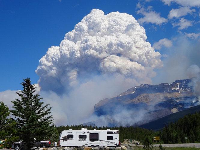 Vulkanausbruch? Nein Waldbrand im Jasper