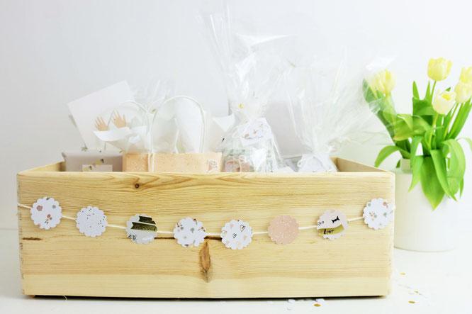 Bild: DIY Brautkalender- finde Ideen für einen Braut Countdown Kalender als Geschenk zum selber machen, mit Tipps zum Befüllen und Verpackungsideen // gefunden auf www.partystories.de // #diyHochzeit #Brautkalender #geschenkidee