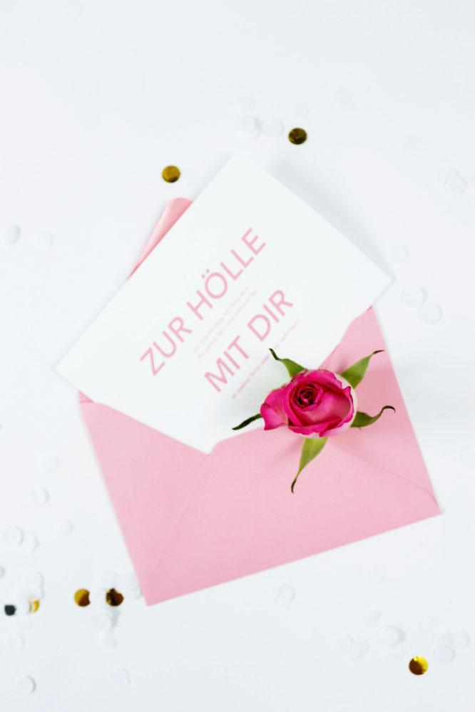 Bild: Valentinstag Karten zum Ausdrucken mit Sprüchen - mit dieser Anleitung und Freebie Bastelvorlage Karten  zum Valentinstag oder Galentinesday für sie und ihn selber machen; gefunden auf Partystories.de // #Valentinstag #diygeschenk #Karten