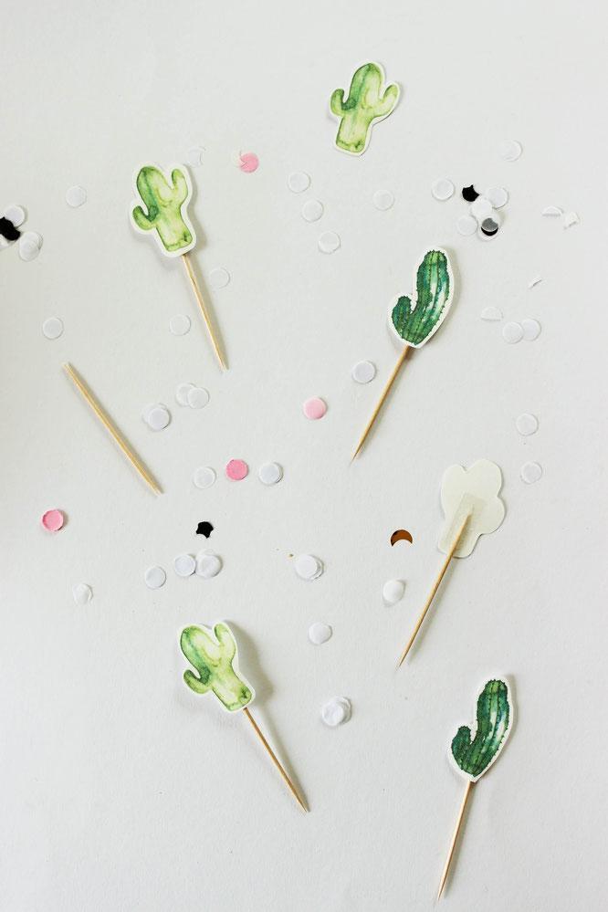 Bild: DIY Greenery und Kaktus Party Deko Ideen; mit Freebie Bastelvorlage für Kaktus Deko Printables zum selber machen; gefunden auf partystories.de in Kooperation mit mohntage.com Blog