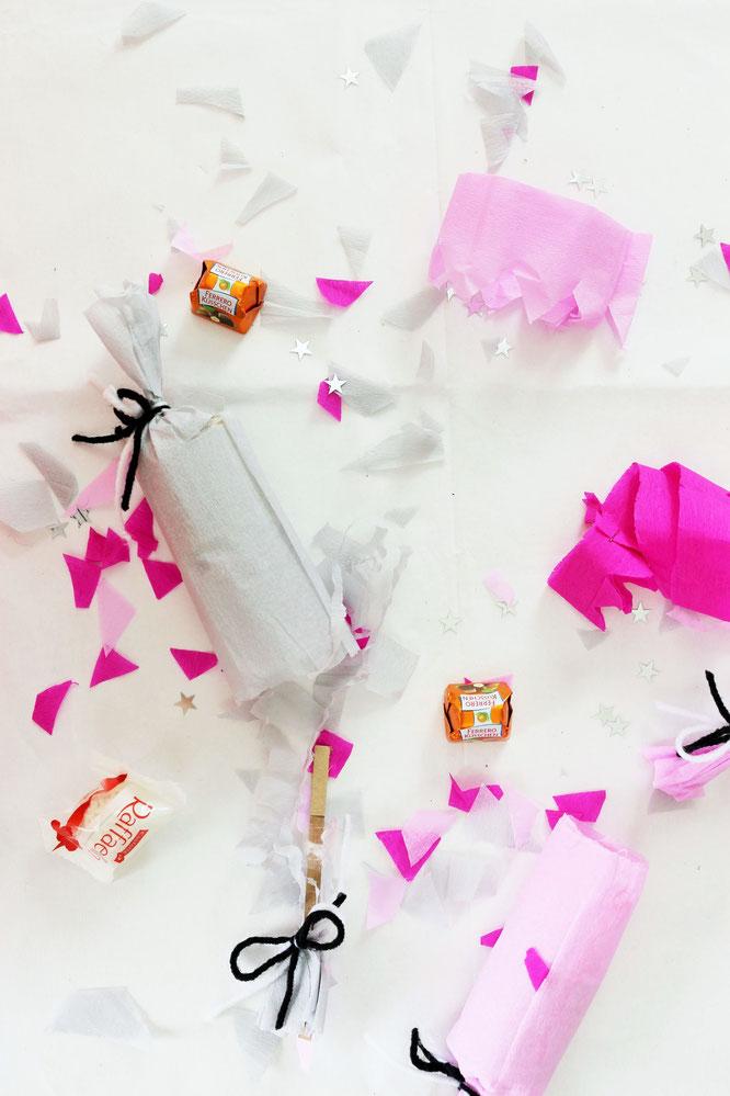 Bild: Knallbonbons selber machen, DIY Knallbonbons Anleitung, Verpackungs- und Geschenkidee für Geld oder Gutscheine, Christmas Cracker selber machen, gefunden auf Partystories.de