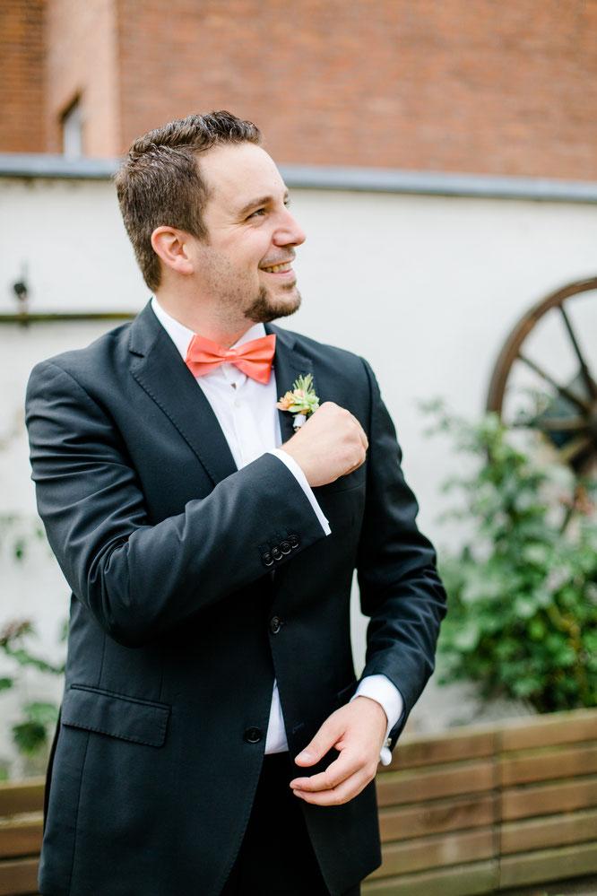 Bild: Tipps und Ideen für eine DIY Hochzeit im urban-industrial Stil, echte Tipps von einer echten Braut nicht nur für eine Sommer Hochzeit, Inspirationen einer echten Hochzeit mit freier Trauung in Düsseldorf, gefunden auf www.partystories.de