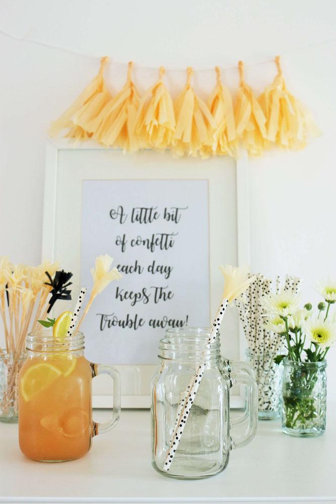 Bild: DIY Party Cocktailspieße, Drink Stirrers und Kuchentopper: ganz einfach aus Seidenpapier oder Servietten selber machen. Cheers! (Anleitung von www.Partystories.de)