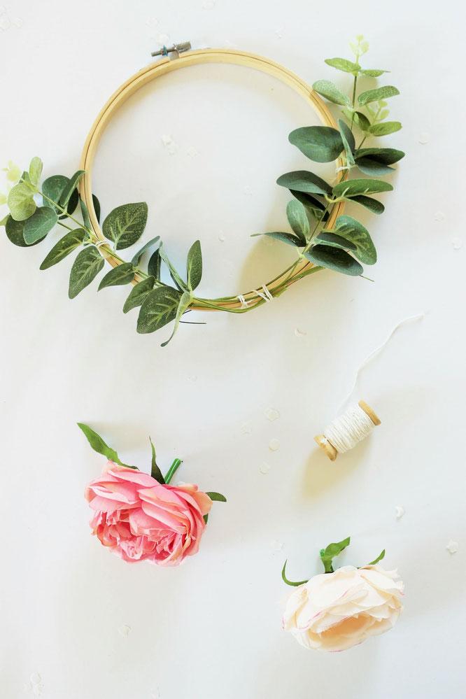 Blumenel Selber Machen diy dekoration mit stickrahmen und blumen basteln mit dieser