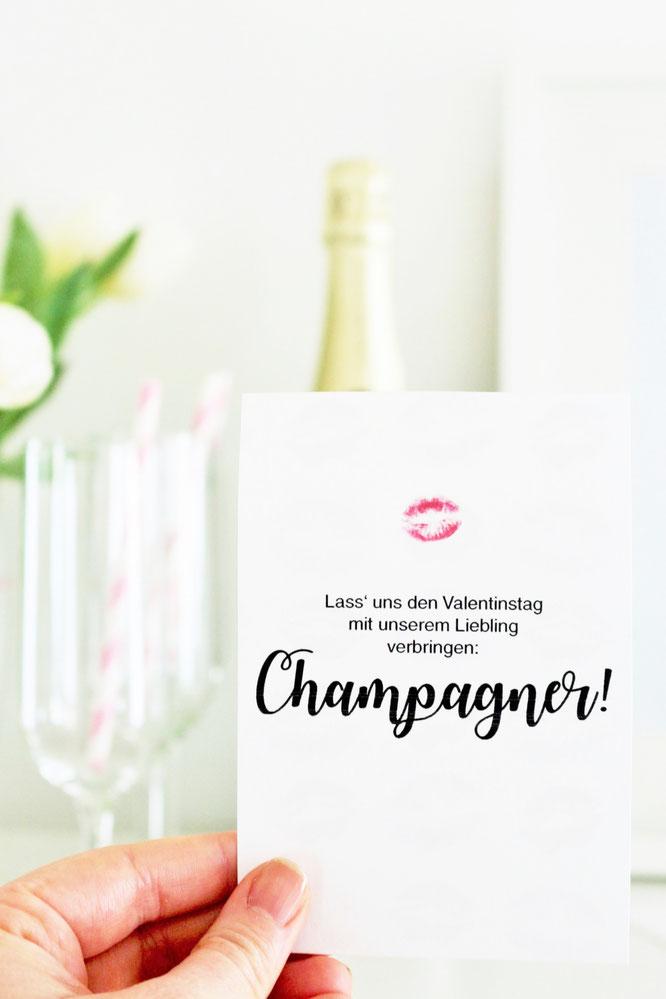 Bild: DIY Geschenk Idee zum Valentinstag für Sie und Ihn, die Freundin, Mutter, Vater oder Kollegen. Hier gibt's kreative Freebie Karten und Poster als Bastelvorlage zum runterladen, ausdrucken und verschenken; www.partystories.de
