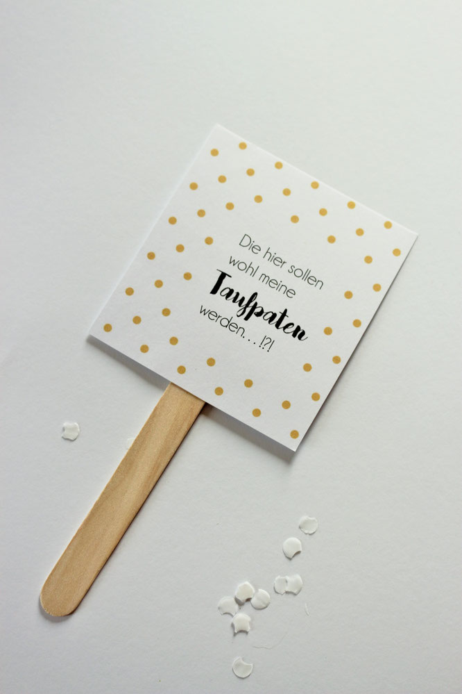 Bild: // DIY Baby Meilenstein Karten // Mit dieser Bastelanleitung und Freebie Bastelvorlage kannst Du deine ganz eigenen Baby Milestone cards als Geschenk Idee zur Schwangerschaft oder Geburt selber machen, gefunden auf www.partystories.de
