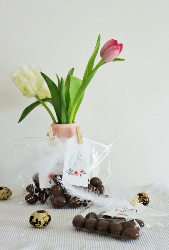 Bild: Geschenkverpackung für Ostern - Mit dieser Idee deine Ostergeschenke und Ostereier schön in der Tüte verpacken: gefunden auf www.partystories.de in Kooperation mit decorize partystyling