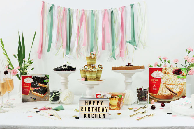 Bild: DIY Deko Ideen zum Geburtstag, eine Party oder die Hochzeit - So einfachaus Seiden- oder Geschenkband Upcycling Dekoration für's Kuchenbuffet oder einen Sweettable selber basteln! // von Partystories.de // in Kooperation mit Coppenrath & Wiese