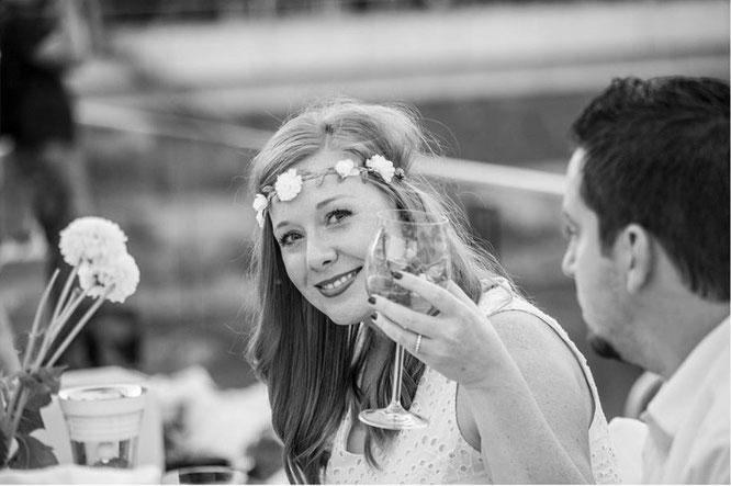 Bild: Diner en Blanc Düsseldorf 2016 am Medienhafen, Erfahrungsbericht einer Düsseldorfer Bloggerin, gefunden auf Partystories.de