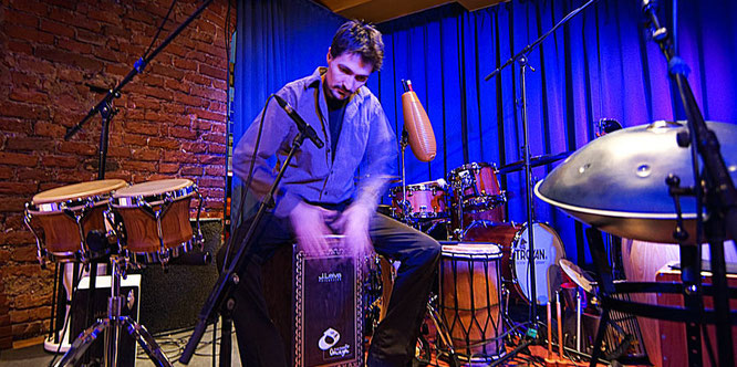 Percussion Solo auf einem RoCha - Konzert