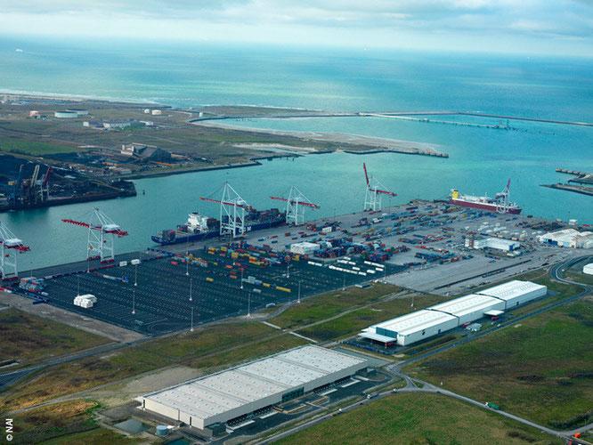 Transport de conteneurs Dunkerque - La Réunion avec Long-Cours