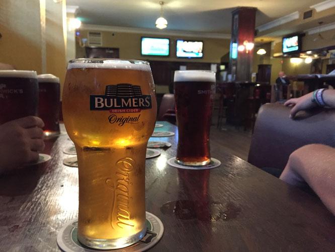 Bulmers-in-einen-irischen-pub