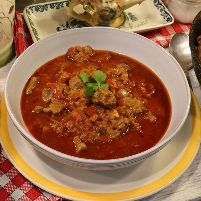 GOULASCH A LA HONGROISE ou goulache, ou la soupe de goulasch - Un plat savoureux ! - Gourmandises TV