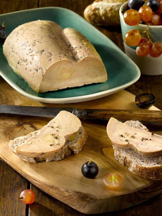 TESTS PRODUITS Gourmandises TV :  Foie Gras de Canard mi-cuit Paysans de Gascogne - (Photo Pain Vin Company)