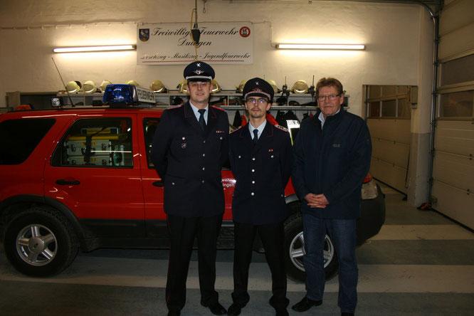 Die neue Feuerwehrführung mit Samtgemeindebürgermeister Wolfgang Schulz