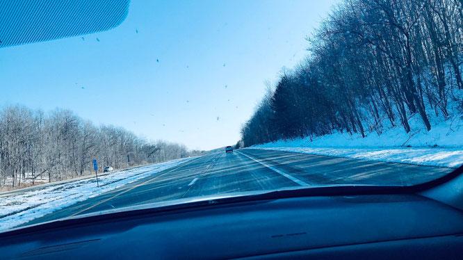 アメリカ 道 雪景色 横断旅行