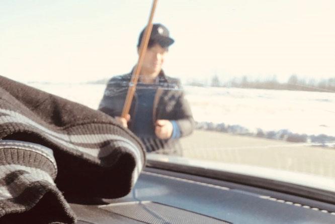 アメリカ ガソリンスタンド 景色 車内 横断