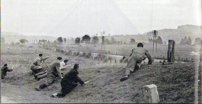 Prvi potajni dolazak na Bleiburg, na blagdan Svih svetih 1951. :Josip Đakić, Petar Hrstić, Mirko Karačić, Halil Delić, Ante Samovojska, Ante Marčinović