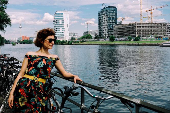 Rita Redshoes em Berlim à beira do Spree © Tiago Palma