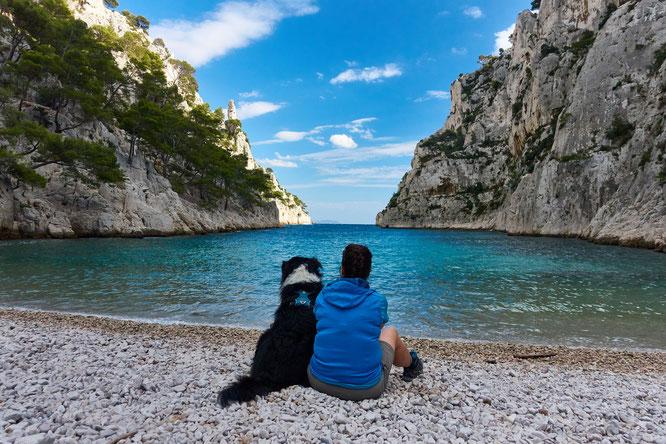 Ausszeit für Vier- und Zweibeiner: Die prachtvolle Bucht d'En-Vau.