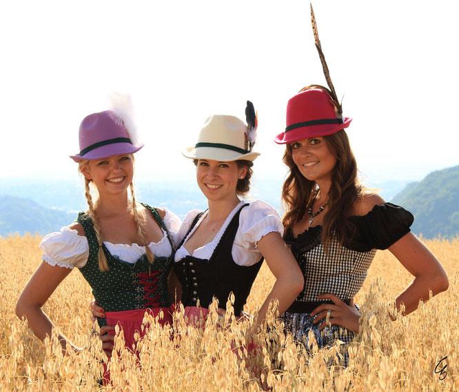 Farbige Trachtenhüte mit Federn versandkostenfrei bestellen!