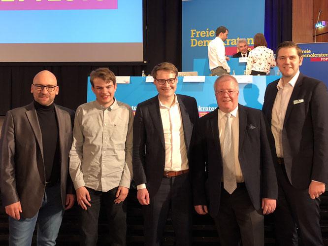 (v.l.n.r.) David Luge, Julian Bracht, Spitzenkandidat Moritz Körner, OWL-Kandidat Dr. Ulrich Klotz, Kreisvorsitzender Patrick Büker