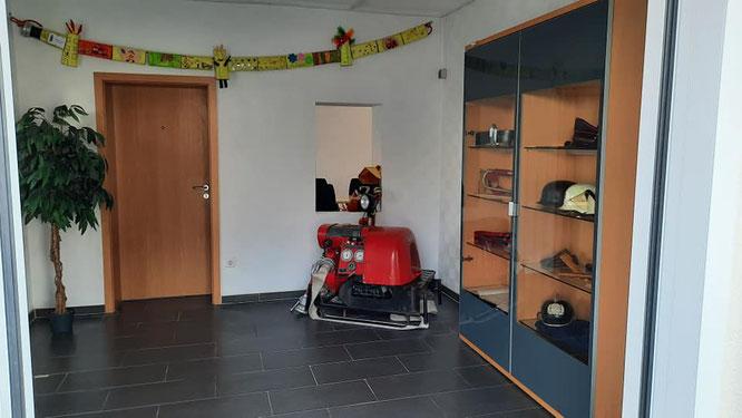 Das Foyer zum Schulungsraum der Feuerwehr