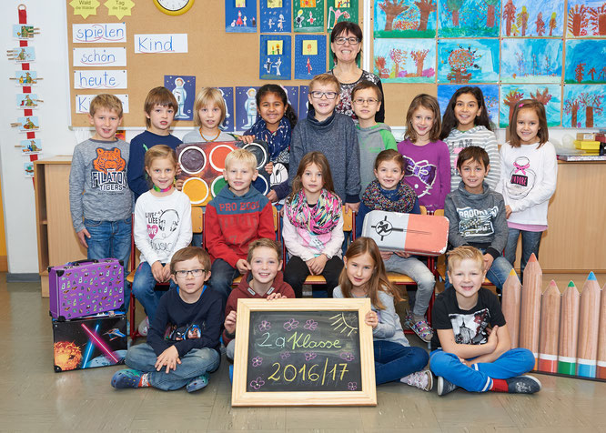 2a Klasse mit Klassenlehrerin Frau Astrid Stern (Foto Schober)