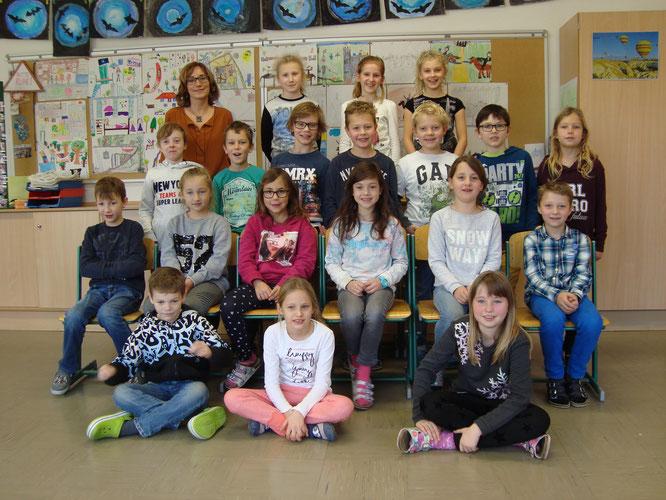 3a Klasse mit Klassenlehrerin Frau Daniela Kuenz (Foto VS Dölsach)