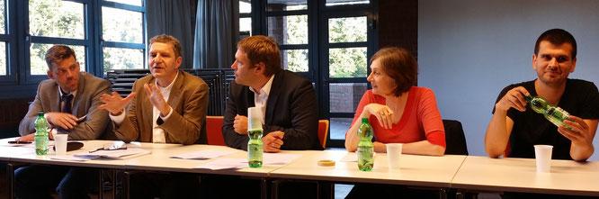 Das Podium v. Li. :Falko Droßmann, Egbert Rühl, Michael Weinreich, Gabriele Dobusch, Marco Antonio Rayes Loredo