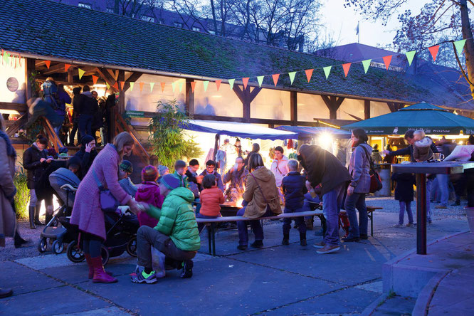 Winterkiosk - nachhaltiger Weihnachtsmarkt: MOMazing City Guide Nürnberg - Städtetrips und Reisen mit Kind mit Tipps von Yogalehrerin Antje von Karma-Mama.