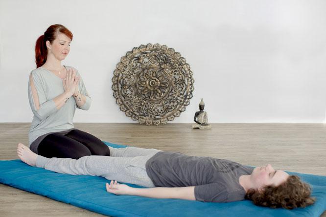 Thai Yoga mit Kindern und Teenies: Sandra Walkenhorst ist Expertin auf diesem Gebiet