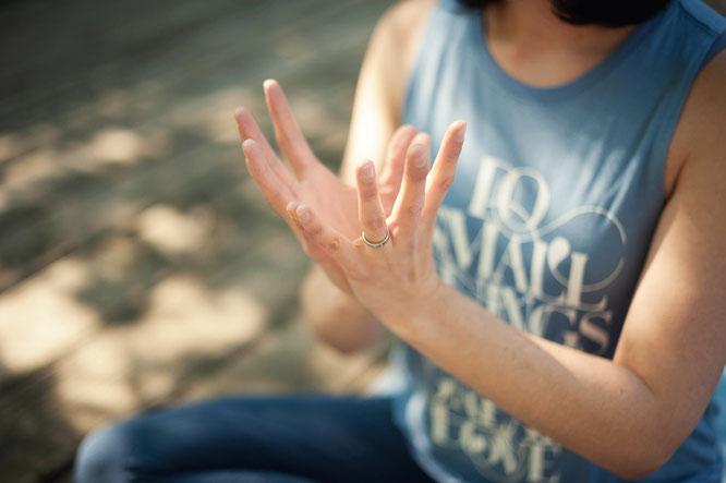 MOMazing ist ein Blog für Yoga in der Schwangerschaft, mit Baby, Kind und für dich als Mama.