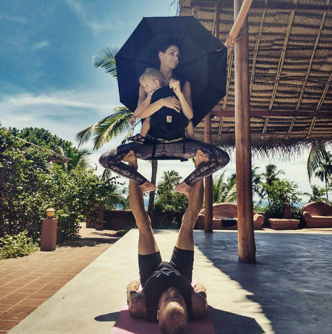 Expertin Barbara Ekelund über Birthlight-Yoga auf dem Mama Yoga Blog MOMazing.