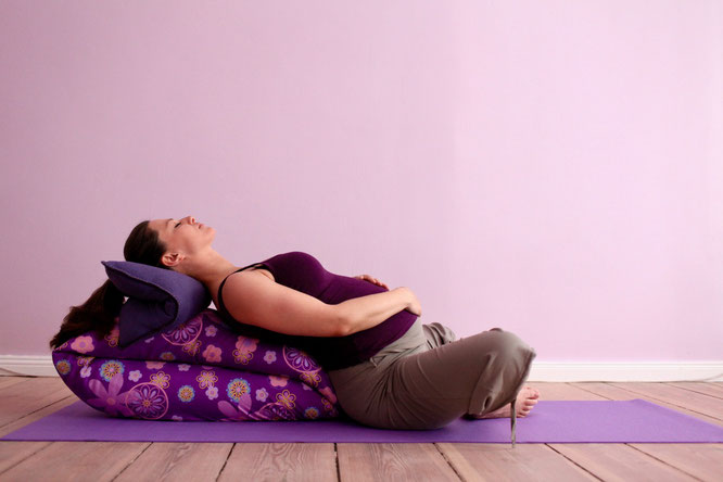Prenatal Pränatal Prenatalyoga Pränatalyoga Schwangerschaft Schwangerschaftsyoga Entspannung Yoga MOMazing Mama Mami Blog